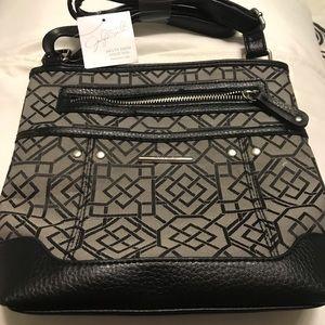 NWT-Jaclyn Smith cross body purse